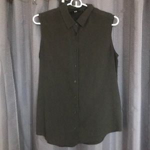 Uniqlo sleeveless button-up (easy care)